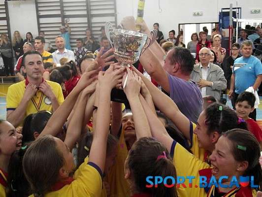 CSS Bacau - campioana nationala la minivolei 2015
