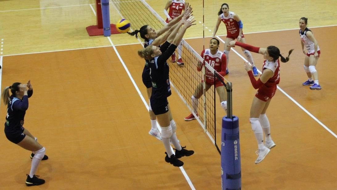 Volei feminin / Știința Bacău începe campionatul săptămâna viitoare, la Târgu Mureș