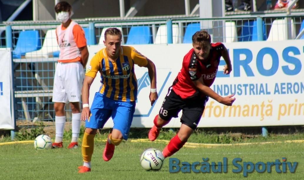 Fotbal, Liga a II-a / Aerostar produce surpriza pe terenul liderei