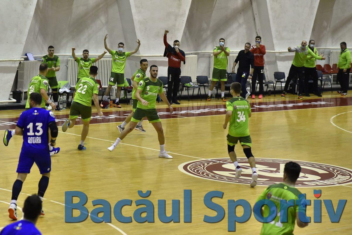 Handbal masculin / Victorie de colecție a băcăuanilor în ultimul meci al anului